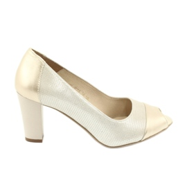 Jaune Chaussures à pompe Gamis 1525 or