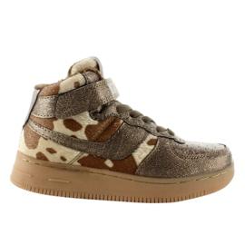 Brun Chaussures de sport pour enfants isolées k1646103 Bronce