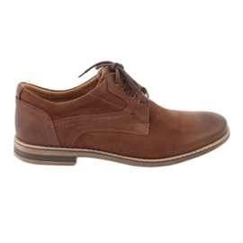 Brun Chaussures basses Riko pour hommes 831
