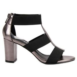 Sandales à la mode sur le poteau UP de VINCEZA gris