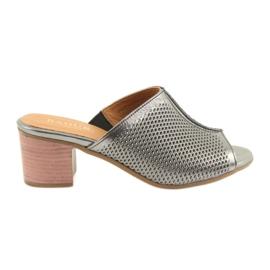 Pantoufles en argent pour femmes Badura 5311 gris