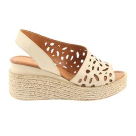 Sandales à talons compensés Badura 4812 beige brun