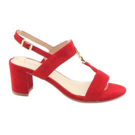 Sandales sur le poteau rouge Caprice 28303
