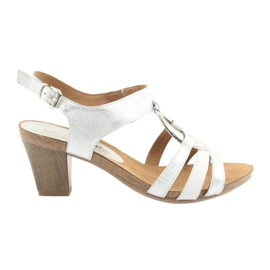 Sandales pour femmes Caprice avec embellissement ovale en argent 28308