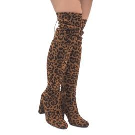 Bottes léopard sur le poteau au genou E5116