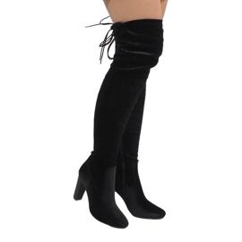 Ideal Shoes Bottes de velours noir sur le poste E-4902