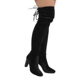 Ideal Shoes Bottes de velours noir sur le poste E-4902