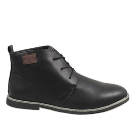 Chaussures homme isolées noires 989-1