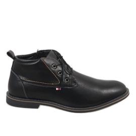 Chaussure homme noire isolée 9W-BK86417