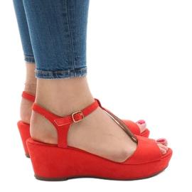 Sandales compensées rouges 6-309