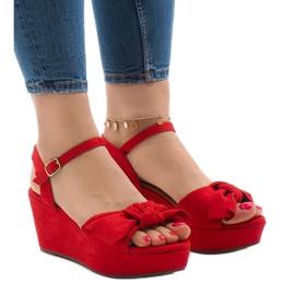 Sandales compensées rouges avec noeud F055