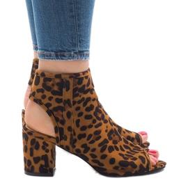 Sandales léopard avec tige C-7226