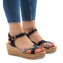 Sandales noires sur la plateforme WS8816