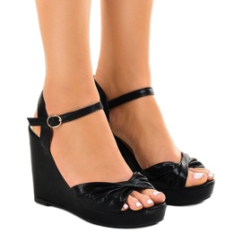 Sandales compensées brillantes noires JM-M215M