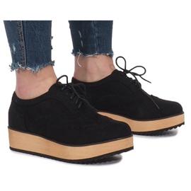 Chaussures noires sur plateforme Danielle