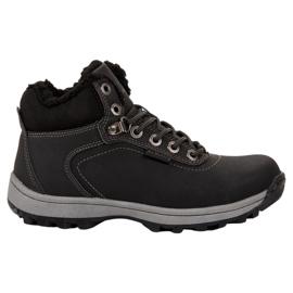 Ax Boxing noir Chaussures de trekking isolées