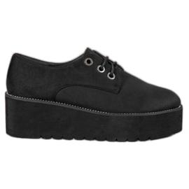 SHELOVET Chaussures en daim sur la plateforme noir