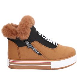 Sneakers marron isolées NB311 Camel brun