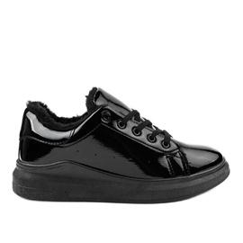 Baskets isolées noires TL140-1