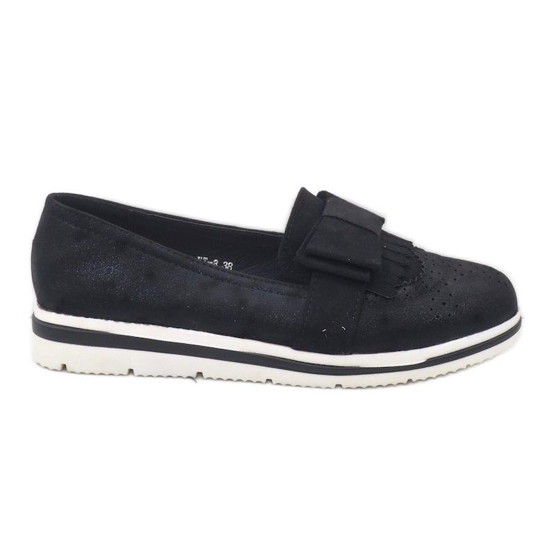 Chaussures noires mates sur le coin YT-8