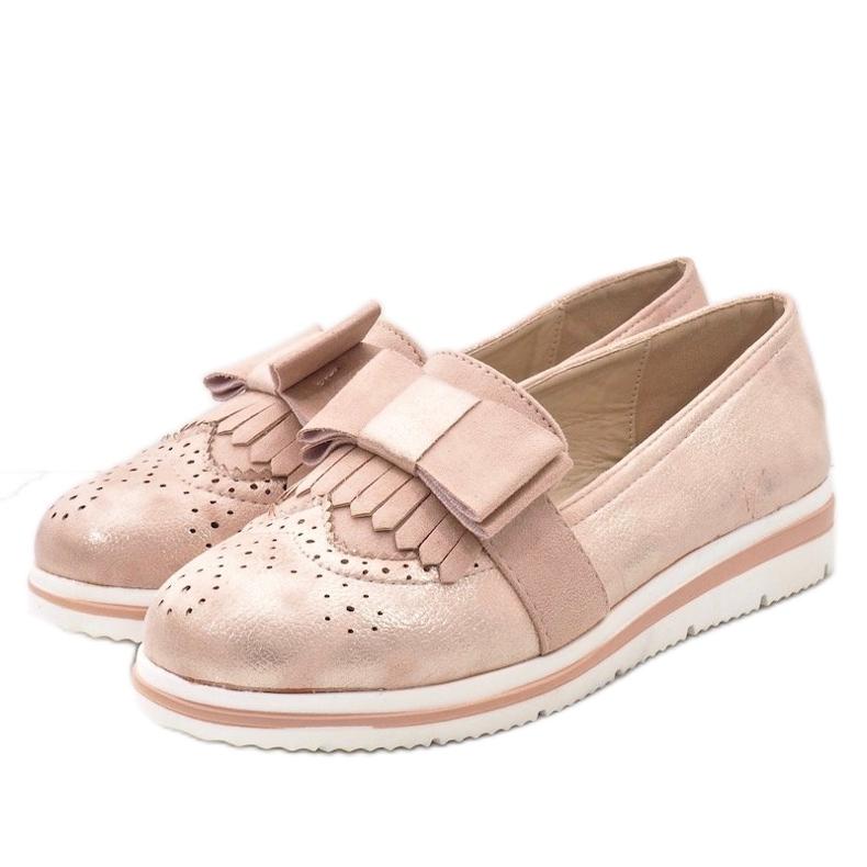 Chaussures roses mates sur le coin YT-8
