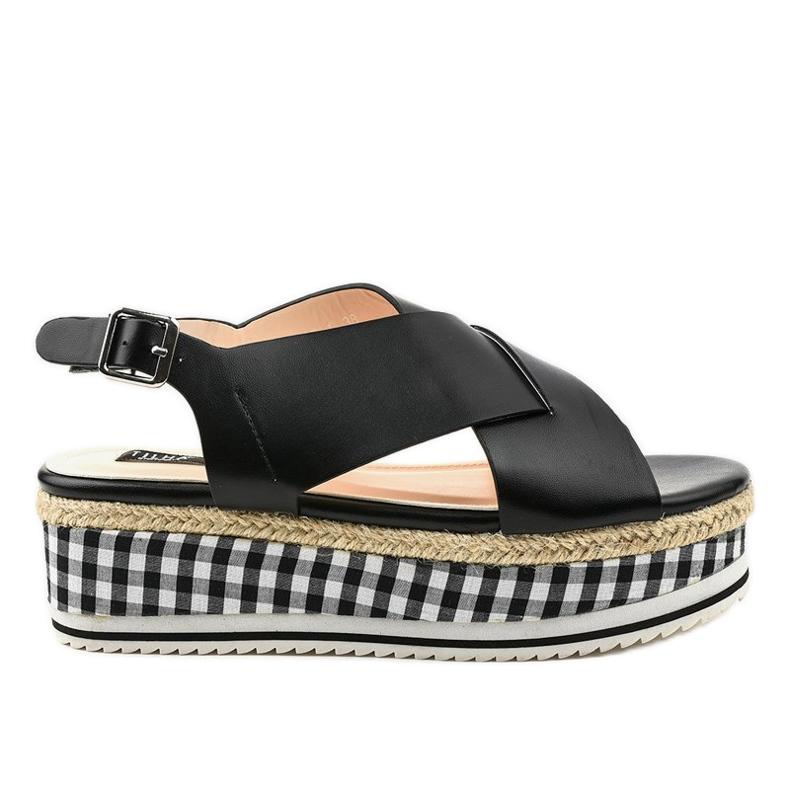 Sandales noires sur plateforme 1507-1