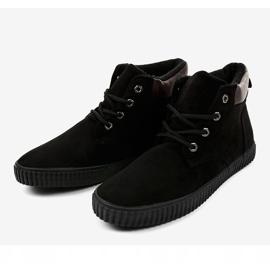 Sneakers noires isolées AN06 pour hommes 3