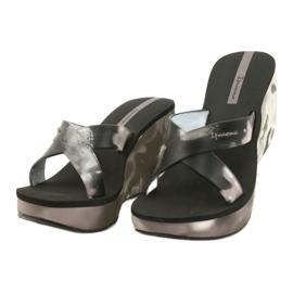 Pantoufles compensées Ipanema 83071 Lipsick Straps VII pour femmes noir gris 1