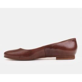 Marco Shoes Ballerines en cuir grainé marron, polies à la main brun 2
