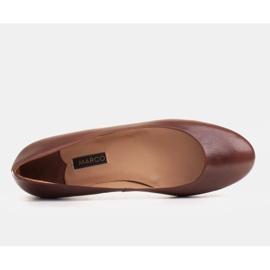 Marco Shoes Ballerines en cuir grainé marron, polies à la main brun 4